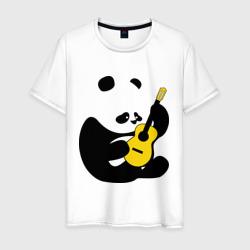 Панда играет на гитаре