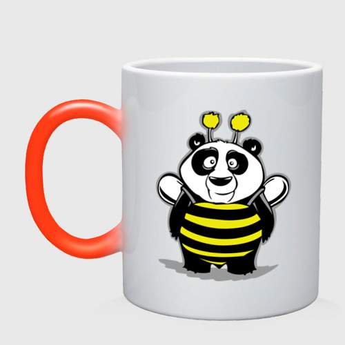 Панда в костюме пчелы