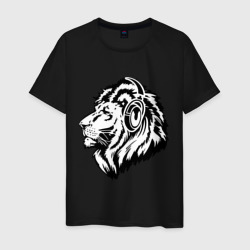 Лев в наушниках