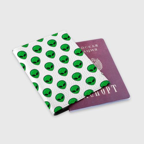 Обложка для паспорта матовая кожа  Фото 03, Пришелец