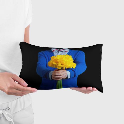 Подушка 3D антистресс  Фото 03, Цветы в руках