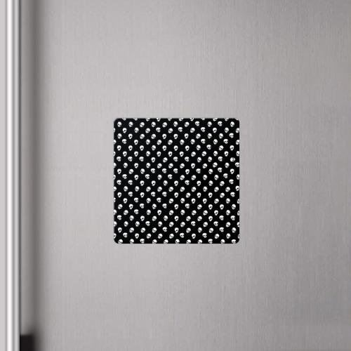 Магнит виниловый Квадрат Белые черепа на черном фоне Фото 01
