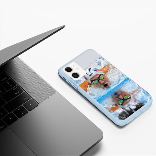 Чехол для iPhone 11 матовый Пловец Фото 01