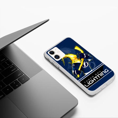 Чехол для iPhone 11 матовый Bay Lightning Фото 01