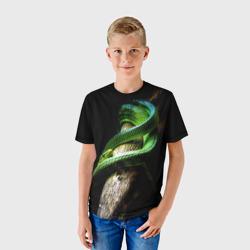 Змея на груди