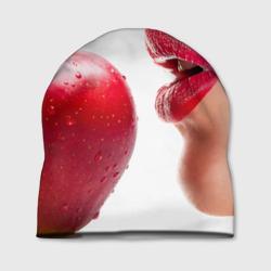 Яблоко и губы