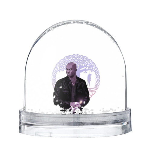 Водяной шар со снегом Тень