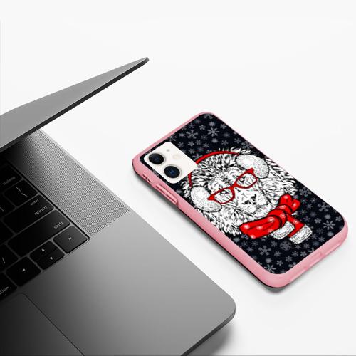 Чехол для iPhone 11 матовый Лев Фото 01