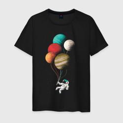 Космонавт в космосе с планетам