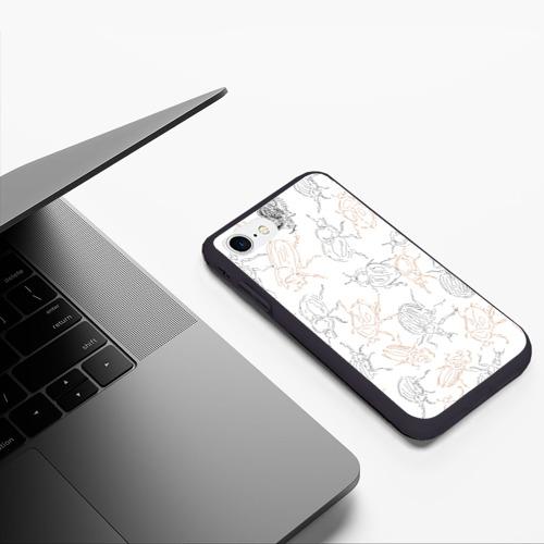 Чехол для iPhone 7/8 матовый Ползучие жучки Фото 01