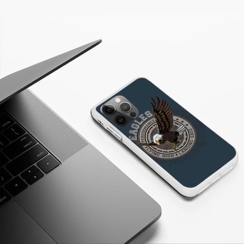 Чехол для iPhone 12 Pro летящий орёл Фото 01