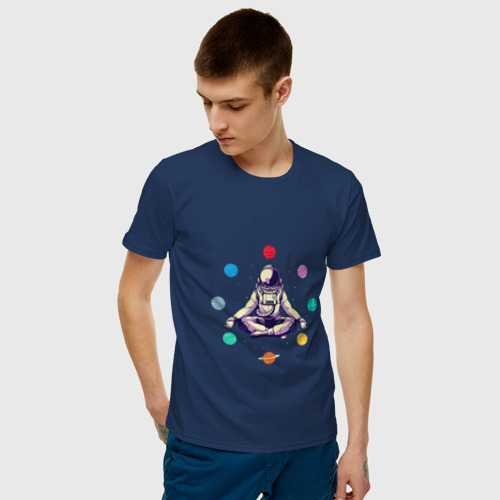 Мужская футболка хлопок Космонавт с планетами Фото 01