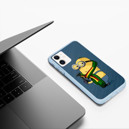 Чехол для iPhone 11 матовый Миньон Кевин Фото 01