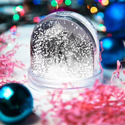 Игрушка Снежный шар Сиреноголовый в Лесу Фото 01